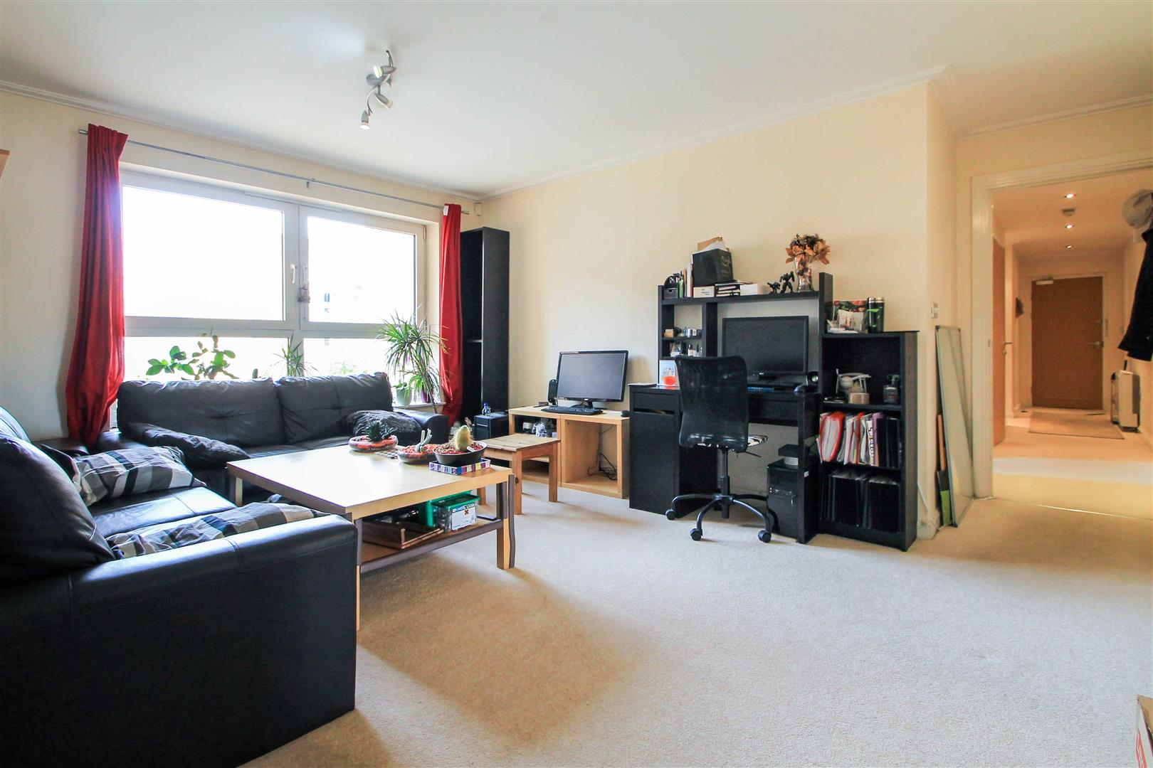 2 Bedrooms Apartment Flat for sale in Chandlery Way, Century Wharf, Cardiff Bay